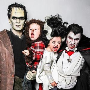 Familie klædt ud til halloween