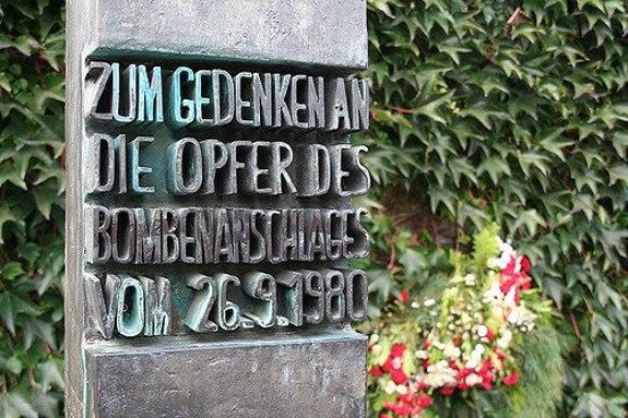 Statue til minde for bombeangrebet på oktoberfest 1980